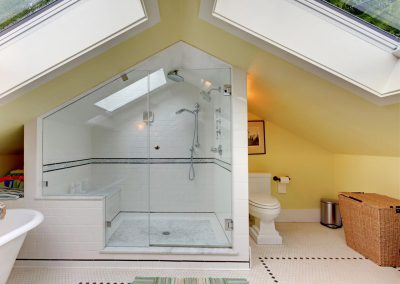 agreeable-attic-bathroom-design-scheme